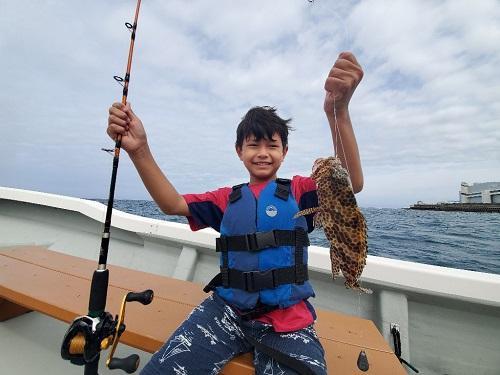 沖縄で子供と一緒に船釣り体験@シーパーク北谷