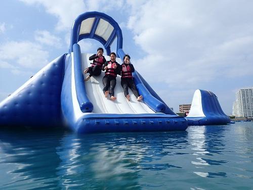 沖縄マリンスポーツ泳げない方も楽しめる遊びをご案内!@シーパーク北谷