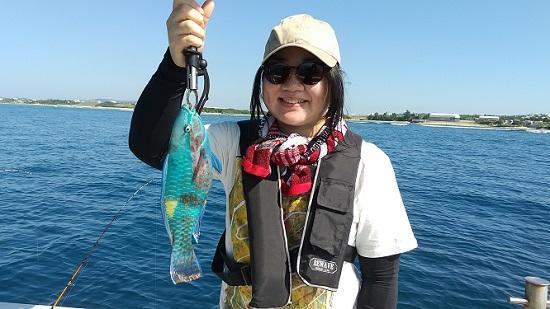 沖縄本島 船釣り体験 初心者 女性 子連れ