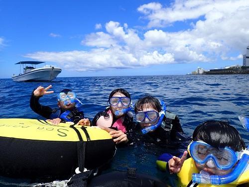 沖縄の人気マリンアクティビティ『シュノーケル』を楽しむなら那覇空港から約40分の北谷がおススメ!