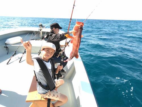 冬休み・春休みの思い出づくりに。沖縄中部で船釣り体験@シーパーク北谷