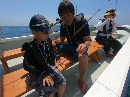釣り体験で沖縄の海を楽しもう!初心者専門『ボートフィッシング』!