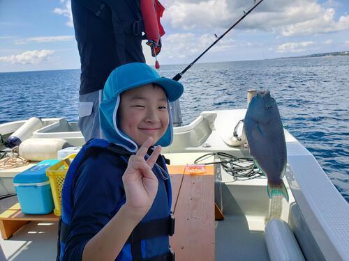 沖縄の海で『船釣り』体験!小さいお子様も参加OK!
