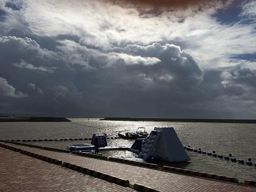 沖縄、北谷、北谷フィッシャリーナ、SEAPARK北谷、ホビーミラージュエクリプス、クリアカヤック、ウォーターパーク、大雨、洪水警報、マリンアクティビティjpg