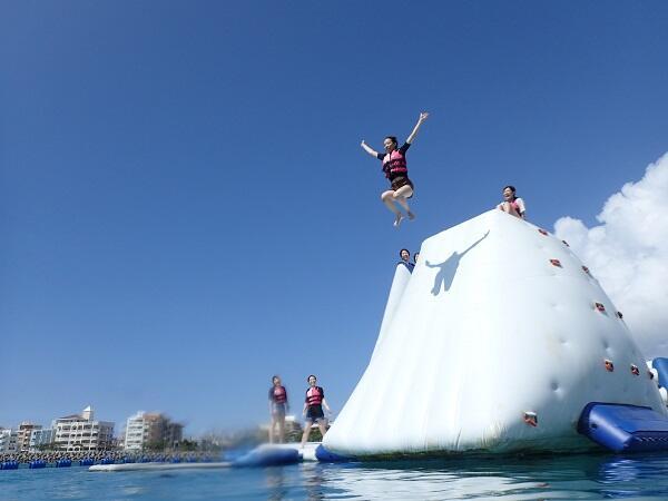 3月に沖縄でマリンスポーツするなら卒業旅行・家族旅行・団体旅行におすすめの割引キャンペーンで!