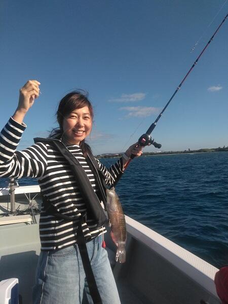 沖縄で船釣り体験!最安値@シーパーク北谷