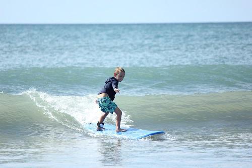 未経験者・初心者でも楽しめる体験サーフィンスクール