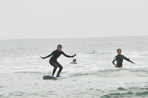 冬の沖縄でサーフィンにチャレンジ