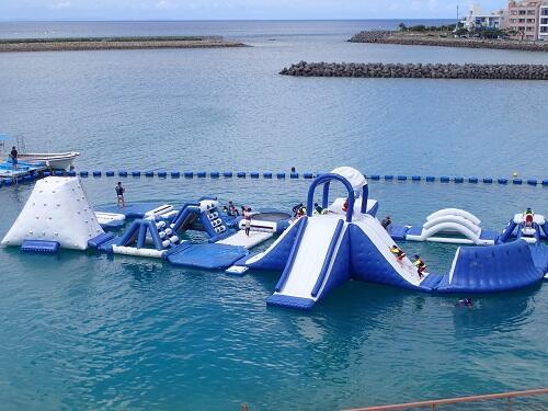 海の遊び後もキレイなシャワー室で着替えの心配なし!沖縄シーパーク北谷