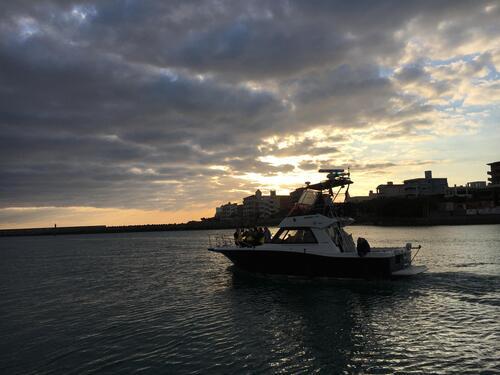 沖縄で『ボートチャーター』して優雅に海を楽しもう!@シーパーク北谷
