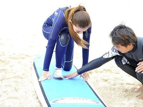 冬の沖縄はサーフィンの最盛期