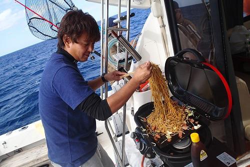 沖縄北谷町 ボートチャーター 船貸切 クルージング BBQ