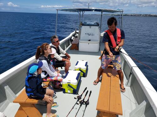 沖縄家族旅行におすすめ!ボートフィッシング