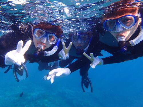 沖縄北谷サンゴの花畑でシュノーケル体験!シーパーク北谷なら当日予約もOK!!