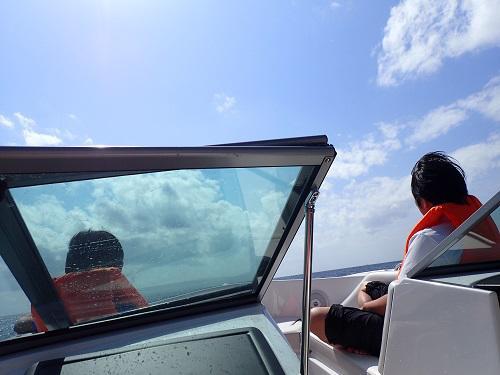 沖縄夏休み最後の週末!SUP&シュノーケリング、沖縄、夏休み、ラスト、北谷発、ボートチャーター、シュノーケリング、ダイビング、SUP、花火.JPG