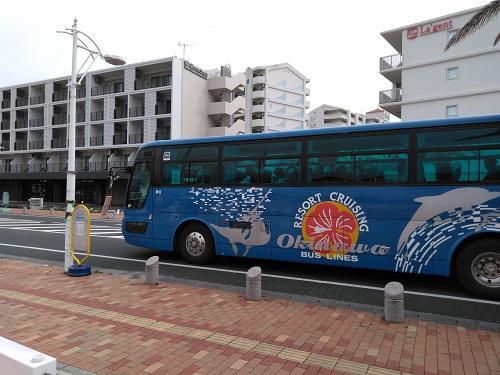 沖縄リムジンバス.jpg