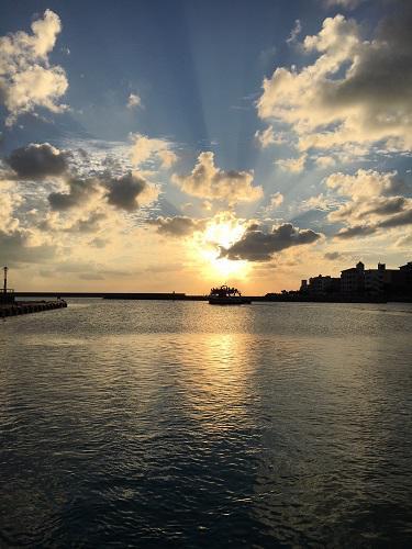 沖縄 北谷町 サンセットクルージング チャーター