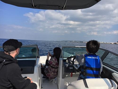 春の海、沖縄でクルージング