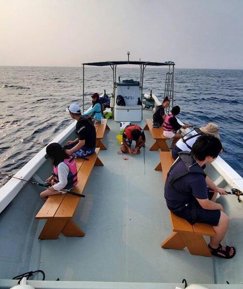 冬休みの沖縄家族旅行におすすめ!船釣り体験@シーパーク北谷