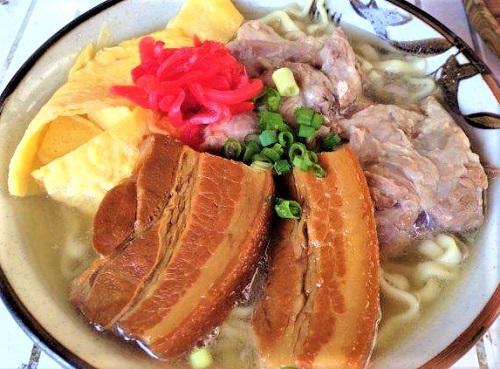 沖縄そばを食べて海あそび