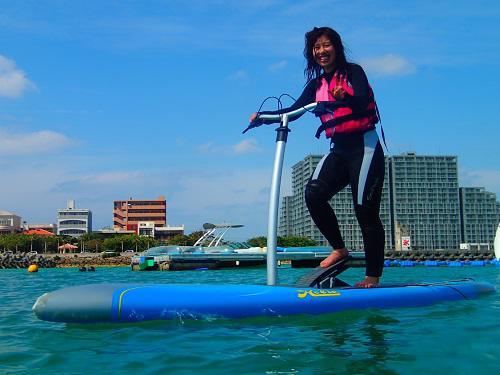 卒業旅行・家族旅行・春休みに沖縄でマリンスポーツ&海遊び!話題の足漕ぎサップ