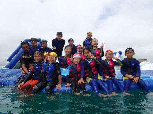 親子で楽しめる『海上アスレチック』!1時間遊び放題@沖縄本島『シーパーク北谷』