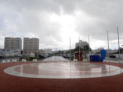 春の沖縄、海遊びならシーパーク北谷
