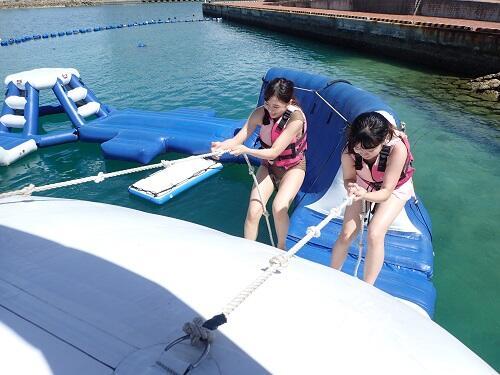 沖縄で『カヤック』体験!子連れ家族、友達と見て楽しい、漕いで楽しい!北谷でマリンスポーツ@沖縄シーパーク北谷