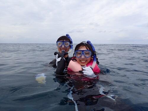 沖縄で人気マリンアクティビティ『シュノーケリング』体験!初めての方も安心安全♪