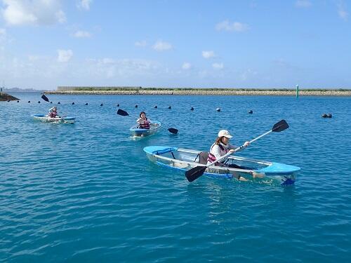 冬も楽しめる沖縄でマリンスポーツ!北谷で『カヤック』を体験しよう!