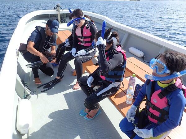 沖縄マリンスポーツ ボートシュノーケリング