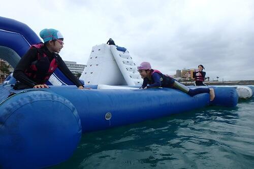 沖縄の冬の観光は悪天候でも楽しめるマリンスポーツ&海遊びがおすすめ!年中開催中マリンアクテビティ!@シーパーク北谷
