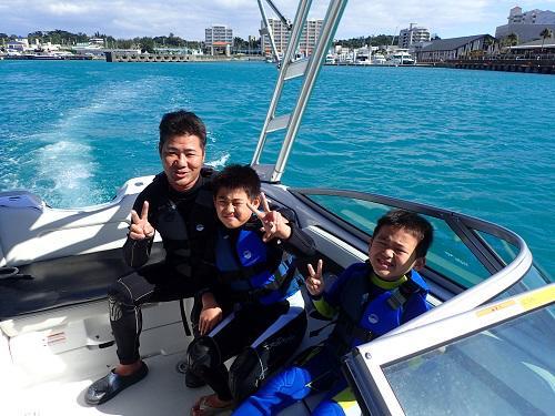 沖縄 マリンスポーツ シーパーク北谷 船