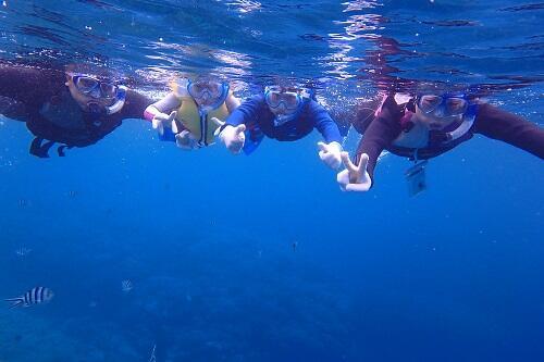 沖縄、北谷町で大人も楽しい『シュノーケル』に参加してみませんか?年中ご予約受付中!