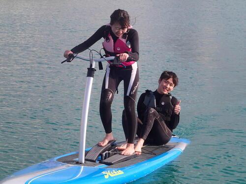 沖縄北谷で初めてマリンスポーツするなら新感覚足漕ぎサップ