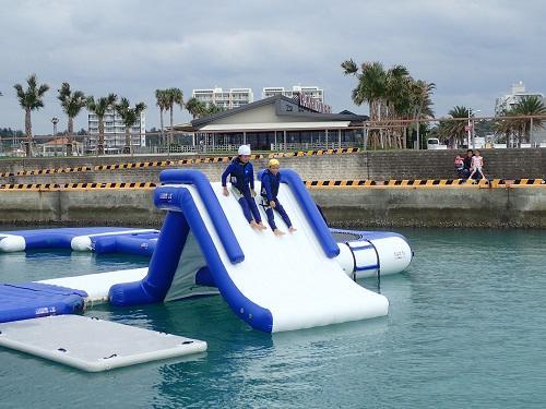 冬でも海遊び!子どもも大人もウォーターパーク!
