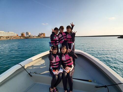 沖縄の2月はマリンスポーツもOK!家族、友達と春休みに思い出作りを!