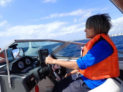 沖縄 操船体験、船長体験