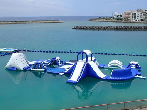 【沖縄】2月3月も楽しめる!年中開催!「海上アスレチック」@シーパーク北谷