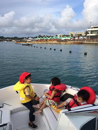 沖縄、北谷フィッシャリーナ、沖縄オクトーバーフェスト2017、うみんちゅワーフ、ビール祭典、北谷海上遊覧、ボートチャーター、クルーズ、台風21号、ラン.jpg