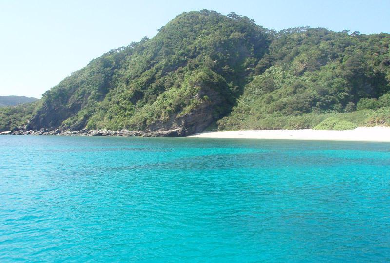 世界屈指の海のブルーを持つ慶良間諸島