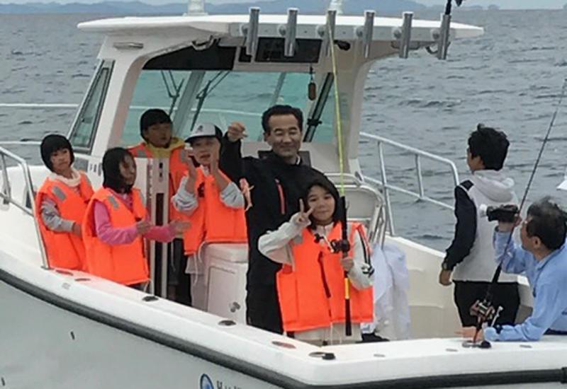 キレイな船内で、トイレ完備なので女性も子供も安心!